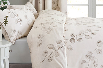 Natural Seed Pod Bed Set