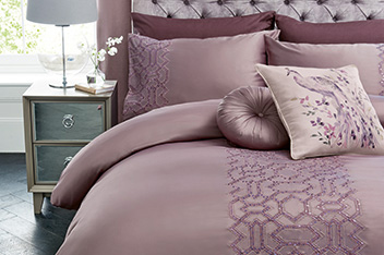 Sequin Geo Mauve Bed Set