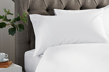 300 Thread Count Crisp & Fresh Egyptian Cotton Bed Set