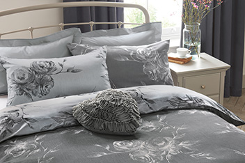 Nostalgia Jacquard Bed Set