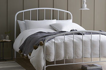 Marlow Metal Bed