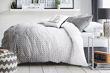 Ombre Geo Print Bed Set