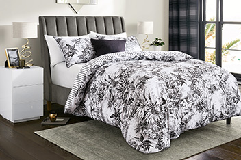 Cotton Rich Fine Etched Leaf Bed Set