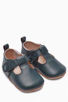 Pram Premium T-Bar Shoes (Younger Boys)