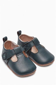Pram Premium T-Bar Shoes (Younger Boys)