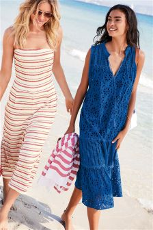 Buy Free People's beach dresses and beach clothes. Pick a favorite dress, tee, or pullover and be stylish even on your carefree days at the beach.