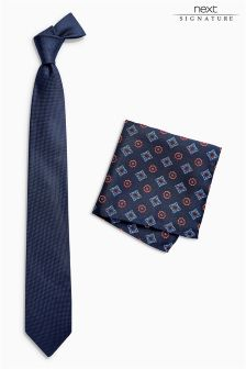 Signature Tie With Pocket Square