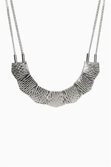 Textured Metal Short Necklace