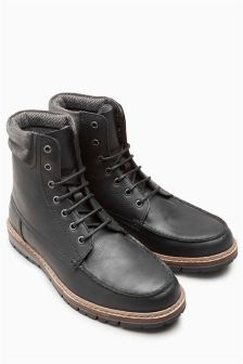 Apron Cleat Boot