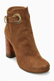 Premium Collection Leather Eyelet Boots