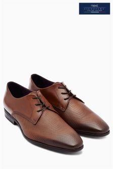 Signature Textured Derby