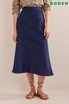 Signature Suede V-Cut Shoe Boots