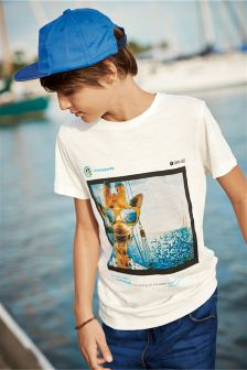 Giraffe Photo T-Shirt (3-16yrs)