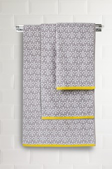 Floral Geo Jacquard Towel