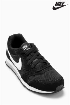 Nike Black/White MD Runner 2