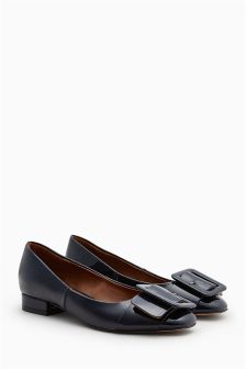 Buckle Square Toe Shoes