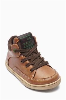 Easy Chukka Boots (Younger Boys)
