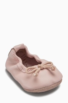 Ballet Pram Shoes (Younger Girls)
