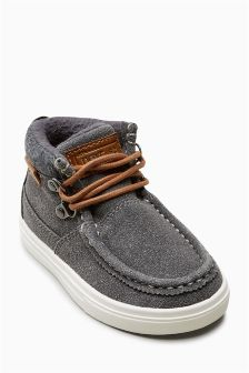 Apron Front Chukka Boots (Younger Boys)