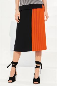 Pleat Panel Skirt