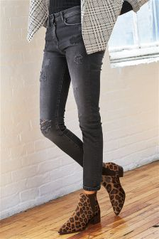 Badged Relaxed Skinny Jeans