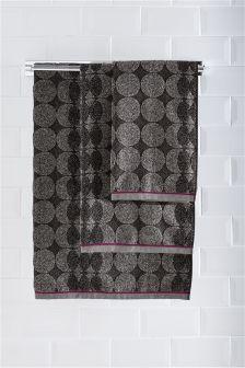 Mono Circles Towel