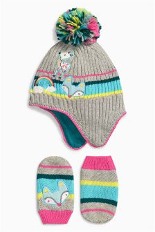 Badge Trapper And Mittens Set (Younger Girls)