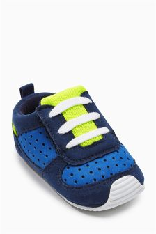 Pram Trainers (Younger Boys)