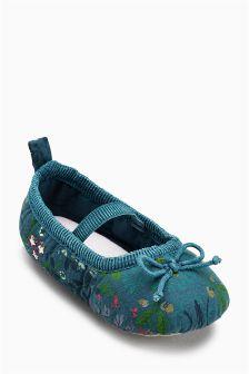 Ballet Pram Shoes (Younger Girls)