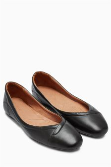 Signature Leather Pleated Flat Shoes