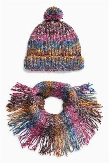 Yarn Hat And Snood Set (Older Girls)