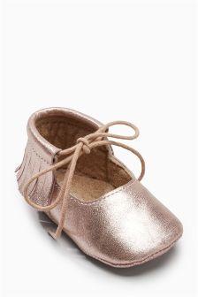 Pram Fringe Shoes (Younger Girls)