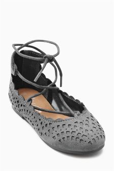Ghillie Chop Out Shoes (Younger Girls)