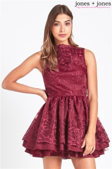 Jones & Jones Scalloped Edge Full Dress