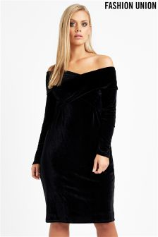 Fashion Union Curve Off Shoulder Velvet Dress