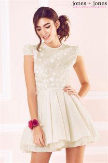Jones & Jones 3d Floral Applique Detail Prom Dress