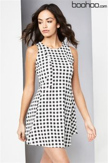 Boohoo Printed Check Sleeveles Skater Dress