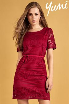 Yumi Cap Sleeved Paisley Lace Shift Dress