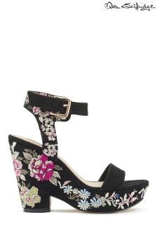 Miss Selfridge Embroidered Wedges