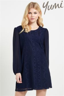 Yumi Floral Lace Shift Dress