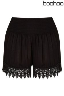 Boohoo Plus Crochet Trim Flippy Short