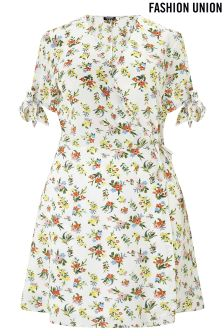 Fashion Union Curve Floral Print Wrap Skater Dress