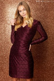 Mela London V neckline Lace Bodycon Dress