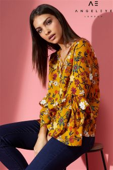 Angeleye Printed Ruffle Detail Top
