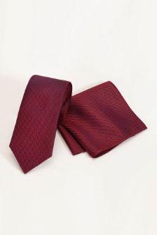 Signature Textured Tie And Pocket Square