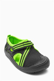 Green And Black Beach Socks (Younger Boys)