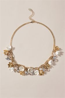 Gold Pretty Flower Necklace